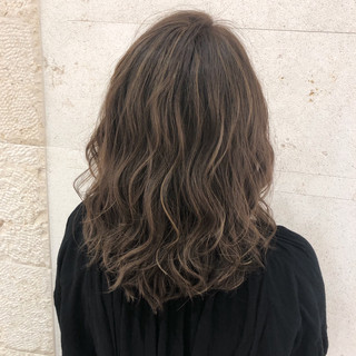 エレガント 外国人風カラー ハイライト ミディアム ヘアスタイルや髪型の写真・画像