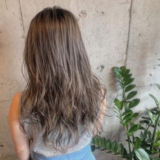 N.オイル ストリート コテ巻き 濡れ髪スタイル ヘアスタイルや髪型の写真・画像