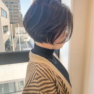 ショートボブ ショートヘア インナーカラー ナチュラル ヘアスタイルや髪型の写真・画像
