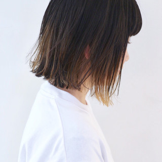 グレージュ ミニボブ インナーカラー グラデーションカラー ヘアスタイルや髪型の写真・画像