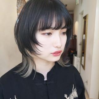 ミディアム ウルフレイヤー マッシュウルフ ウルフ ヘアスタイルや髪型の写真・画像