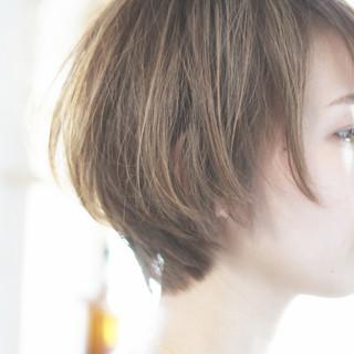 ハンサムショート 小顔ショート ハイライト ナチュラル ヘアスタイルや髪型の写真・画像