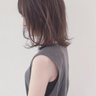 外ハネ 外国人風カラー ストレート ナチュラル ヘアスタイルや髪型の写真・画像