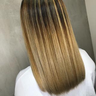 ヘアアレンジ ウェーブ セミロング 外国人風 ヘアスタイルや髪型の写真・画像