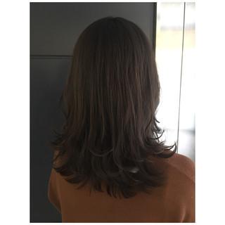 ラベンダーグレージュ ラベンダーアッシュ ミディアム アッシュグレー ヘアスタイルや髪型の写真・画像