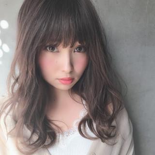 アッシュベージュ 前髪 セミロング 透明感カラー ヘアスタイルや髪型の写真・画像
