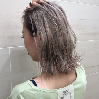 ミルクティーグレージュ ボブ ミルクティーブラウン ストリート ヘアスタイルや髪型の写真・画像
