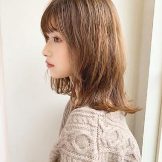 ミディアム 小顔ヘア 外ハネ 大人かわいい ヘアスタイルや髪型の写真・画像