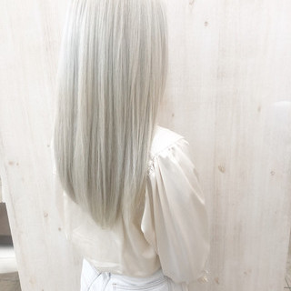 ホワイトブリーチ ホワイトカラー ストリート ホワイトシルバー ヘアスタイルや髪型の写真・画像