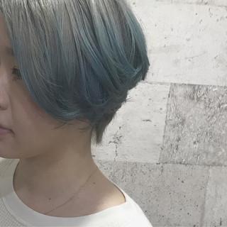 ショートボブ 派手髪 ダブルカラー ショート ヘアスタイルや髪型の写真・画像