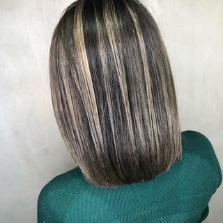 グレージュ ボブ ナチュラル グラデーションカラー ヘアスタイルや髪型の写真・画像 ヘアスタイルや髪型の写真・画像