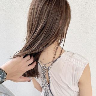 ハイトーン 外国人風 大人女子 ナチュラル ヘアスタイルや髪型の写真・画像