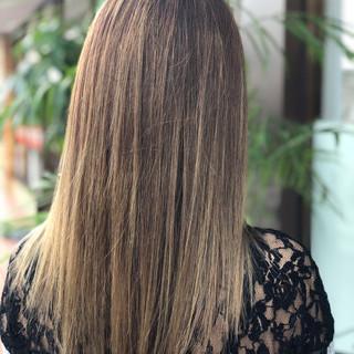 ハイライト グラデーションカラー セミロング グレージュ ヘアスタイルや髪型の写真・画像 ヘアスタイルや髪型の写真・画像