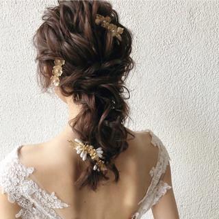 ゆるナチュラル ロング 結婚式ヘアアレンジ アンニュイほつれヘア ヘアスタイルや髪型の写真・画像