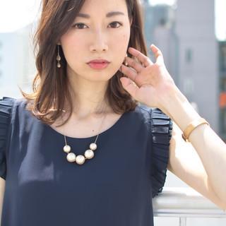 オフィス デート 外国人風 フェミニン ヘアスタイルや髪型の写真・画像