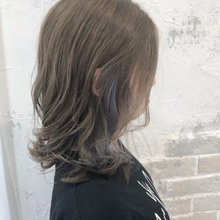 ストリート インナーカラーシルバー 透明感 外国人風 ヘアスタイルや髪型の写真・画像