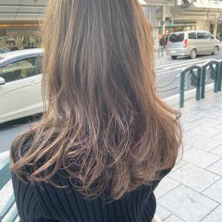 ベージュ ロング ブラウンベージュ ヌーディベージュ ヘアスタイルや髪型の写真・画像