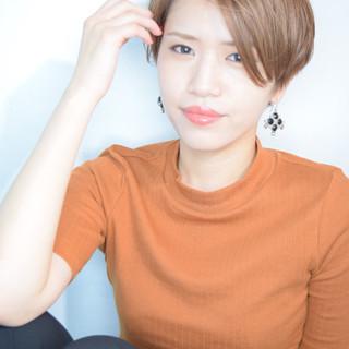 小顔ショート モード デート アッシュ ヘアスタイルや髪型の写真・画像