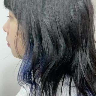波巻き インナーカラー ミディアム ブルー ヘアスタイルや髪型の写真・画像