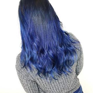 ブルーグラデーション ナチュラル インナーブルー ブルーバイオレット ヘアスタイルや髪型の写真・画像