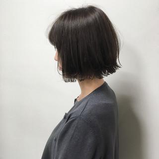 ボブ 外ハネボブ 切りっぱなしボブ 透明感カラー ヘアスタイルや髪型の写真・画像 ヘアスタイルや髪型の写真・画像