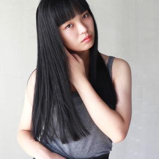 外国人風 切りっぱなし ブラントカット 簡単 ヘアスタイルや髪型の写真・画像