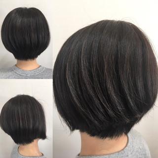 切りっぱなしボブ インナーカラー ベリーショート ショートボブ ヘアスタイルや髪型の写真・画像
