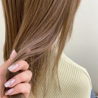 極細ハイライト ナチュラル ミルクティーベージュ 透け感ヘア ヘアスタイルや髪型の写真・画像