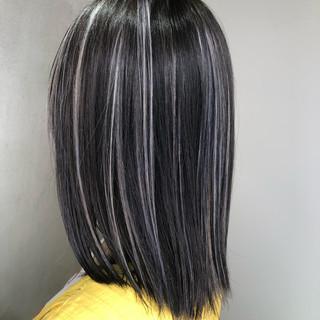 ミディアム ナチュラル バレイヤージュ グラデーションカラー ヘアスタイルや髪型の写真・画像