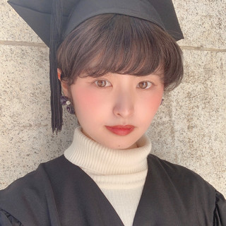 外国人風カラー アッシュグレー 卒業式 ショート ヘアスタイルや髪型の写真・画像