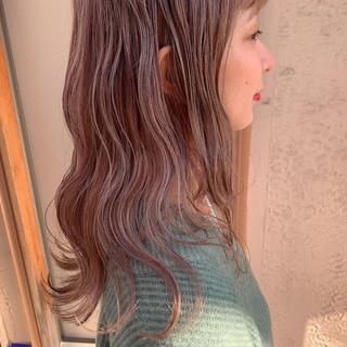 ラベンダーアッシュ セミロング 女子ウケ ハイトーンカラー ヘアスタイルや髪型の写真・画像