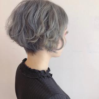 グレー グレージュ ベージュ ショート ヘアスタイルや髪型の写真・画像