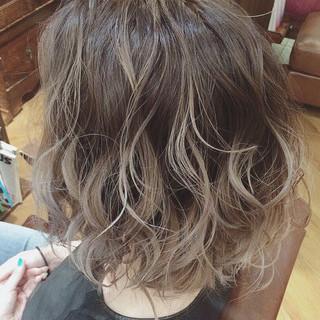 ショートヘア 外国人風カラー ボブ バレイヤージュ ヘアスタイルや髪型の写真・画像