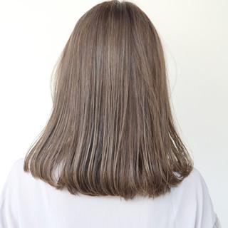 ツヤ髪 外国人風カラー グレージュ ナチュラル ヘアスタイルや髪型の写真・画像