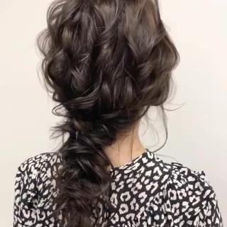 結婚式ヘアアレンジ ゆるナチュラル 大人かわいい セミロング ヘアスタイルや髪型の写真・画像