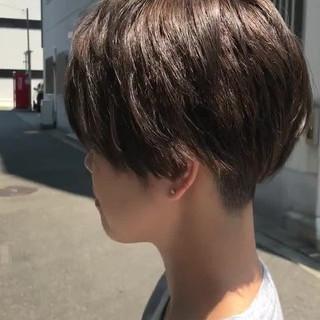 ストリート ジェンダーレス 刈り上げ ショート ヘアスタイルや髪型の写真・画像 ヘアスタイルや髪型の写真・画像