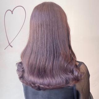 ロング ピンクベージュ ナチュラル ベージュ ヘアスタイルや髪型の写真・画像