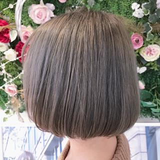 ブルージュ ハイライト ボブ こなれ感 ヘアスタイルや髪型の写真・画像 ヘアスタイルや髪型の写真・画像