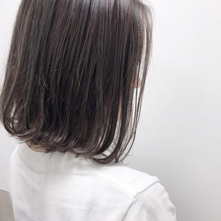 切りっぱなしボブ ボブ ハイライト ミルクティーグレージュ ヘアスタイルや髪型の写真・画像