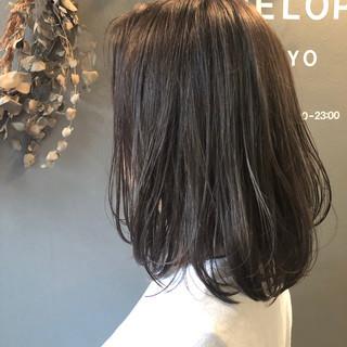 ナチュラル オフィス パーマ 簡単ヘアアレンジ ヘアスタイルや髪型の写真・画像