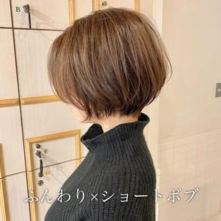 ショートボブ 簡単ヘアアレンジ 大人可愛い 小顔ショート ヘアスタイルや髪型の写真・画像