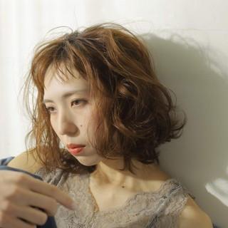 ナチュラル こなれ感 パーマ 秋冬スタイル ヘアスタイルや髪型の写真・画像