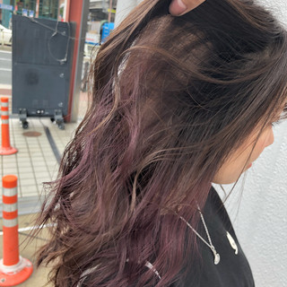 フェミニン アンニュイほつれヘア ロング ピンクベージュ ヘアスタイルや髪型の写真・画像