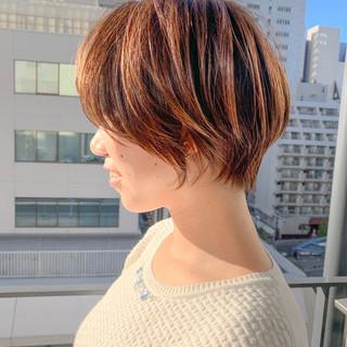 エレガント ミニボブ ショート 切りっぱなしボブ ヘアスタイルや髪型の写真・画像