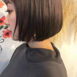 ミニボブ ラベンダーグレージュ ショートボブ ボブ ヘアスタイルや髪型の写真・画像