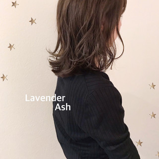 フェミニン ミディアム ゆるナチュラル ゆる巻き ヘアスタイルや髪型の写真・画像