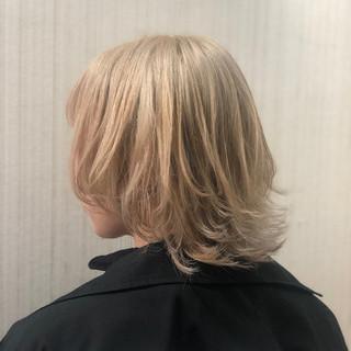 ブロンドカラー 透明感カラー クリームブロンド ショート ヘアスタイルや髪型の写真・画像