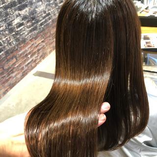 オフィス 髪質改善トリートメント ロング ナチュラル ヘアスタイルや髪型の写真・画像