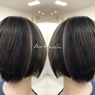 ミルクティーグレージュ 外国人風カラー ストリート シルバーアッシュ ヘアスタイルや髪型の写真・画像