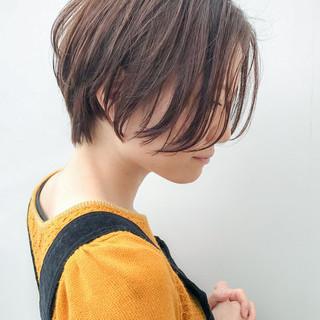オフィス アンニュイほつれヘア イルミナカラー コンサバ ヘアスタイルや髪型の写真・画像